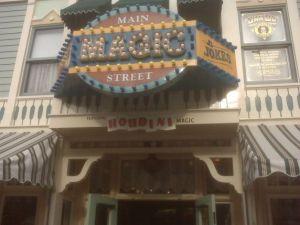 Houdini Magic's<br /> Disneyland magic shop